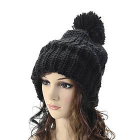 Стильная зимняя вязанная шапка с помпоном