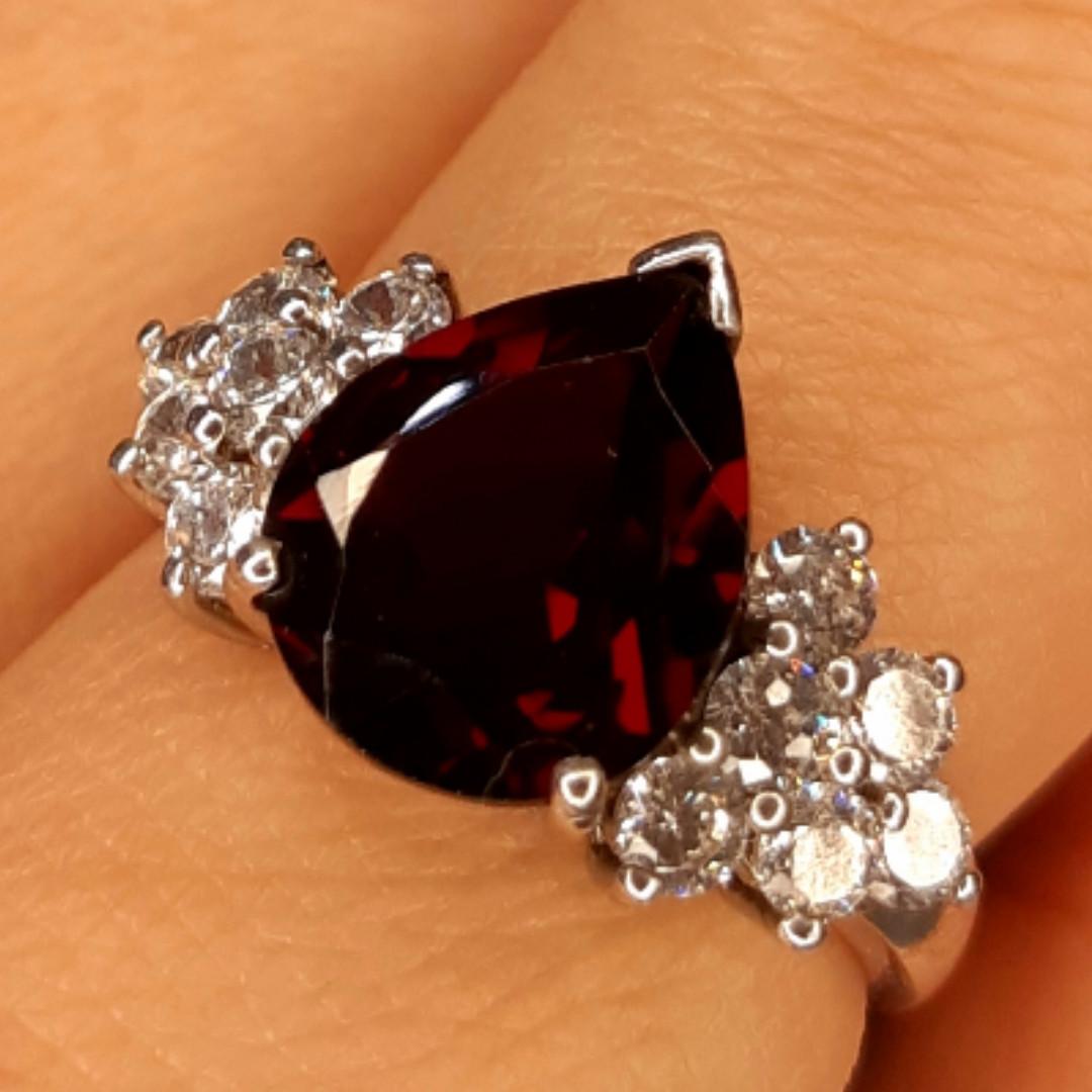 Серебряное кольцо с гранатом - Женское кольцо с гранатом серебро