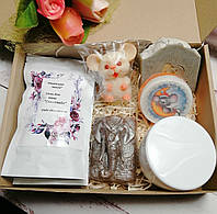 Подарочный набор (мыла, крем для тела, соль для ванной)