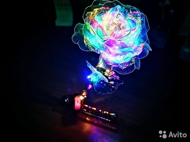 Роза c LED подсветкой Golden Rose 24K в подарочной упаковке
