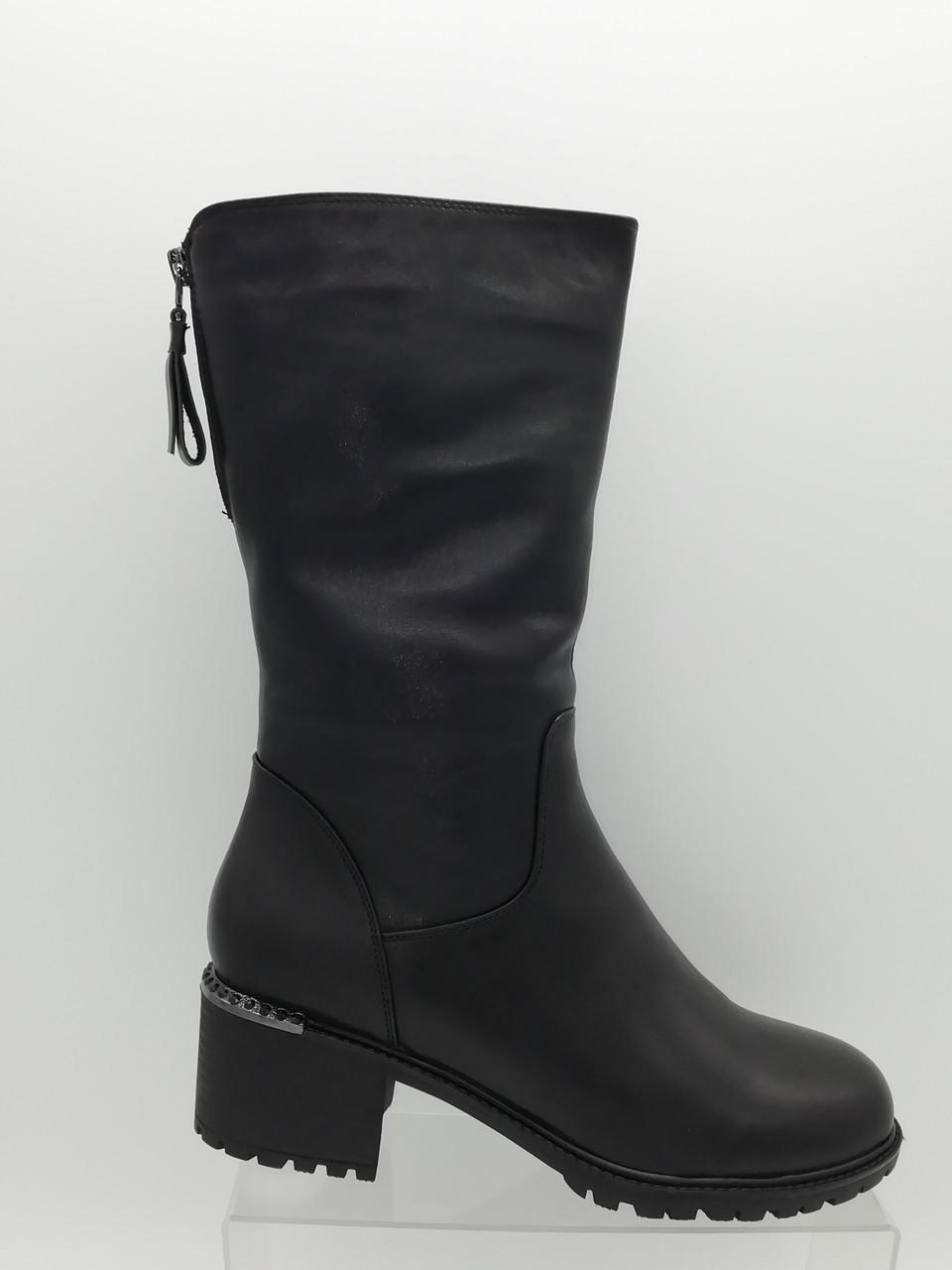 Чорні шкіряні зимові чоботи Berloni.