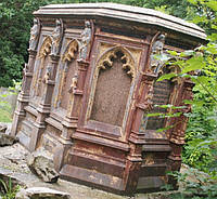 Памятник склеп