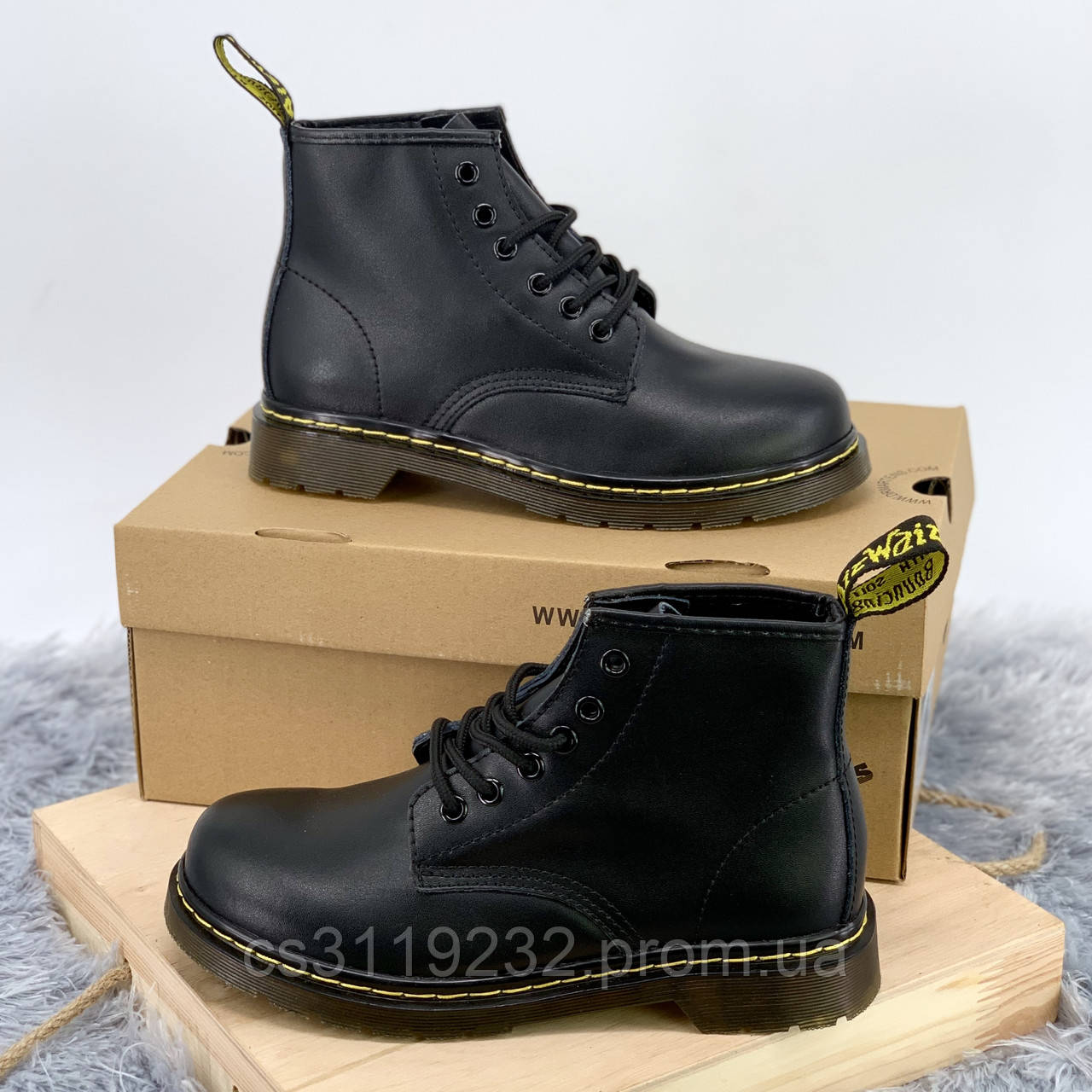 Женские ботинки Dr.Martens 101 Smooth Black демисезонные (черный)