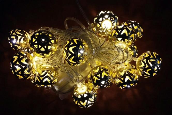 Светодиодная гирлянда с насадкой «Золотой Шарик» на 20 светодиодов