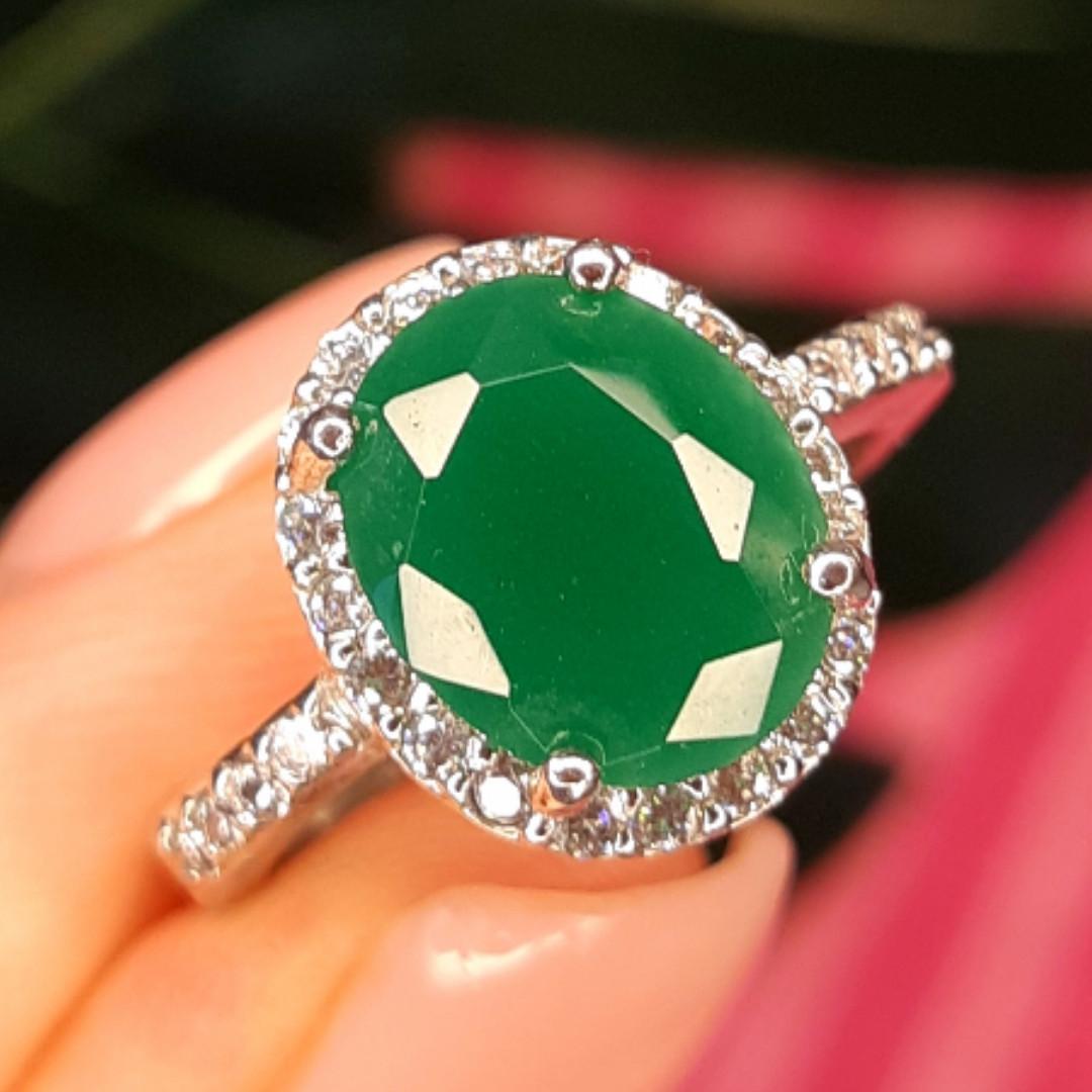 Срібне кільце із зеленим кварцом