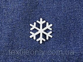 Декор Сніжинка колір білий клейова 30х35 мм