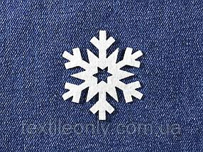 Декор Сніжинка колір білий клейова 50х55 мм
