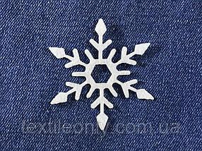 Декор Сніжинка колір білий клейова 60х65 мм