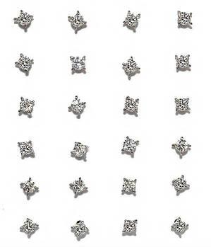 Серьги - гвоздики 12 пар,фирма Xuping. Белый циркон. Цвет: Серебряный. Диаметр серьги 3 мм.