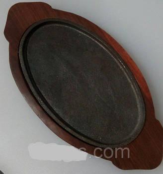Сковорода чугун на деревянной подставке оваль 270*165 мм