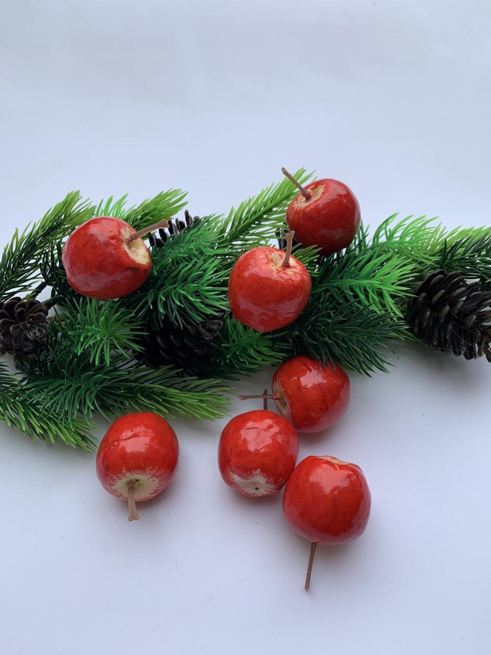 Яблочки декоративные, красные ( 4 см)