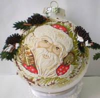 """Шар на елку 65 мм """"Дед Мороз с подарком"""""""