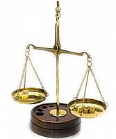 Весы бронзовые на деревянной подставке 15х6х9 см