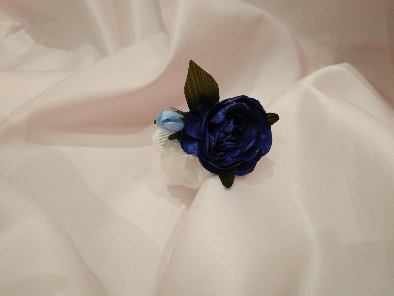 Шпилька для волос с цветами синяя