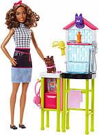 Салон по уходу за домашними животными и кукла Барби Barbie Pet Groomer Doll Mattel (FJB31)