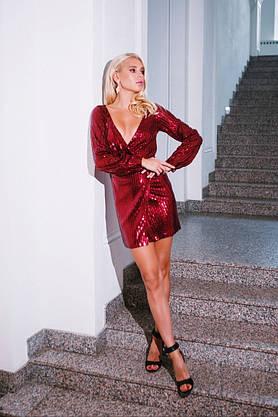 Вечернее платье с глубоким декольте, фото 3