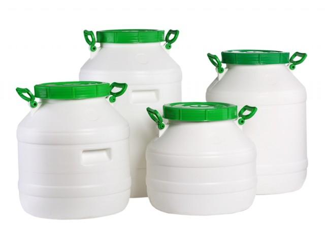 Ёмкости пластиковые для хранения и транспортировки.
