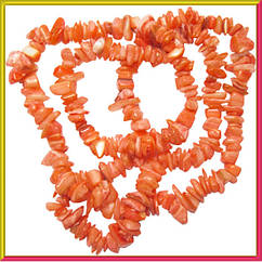 Сколы Ракушки Кораллового цвета с Перламутром, Размер: 4-12*2-6 мм., Отв. 1 мм., около 85 см./нить.