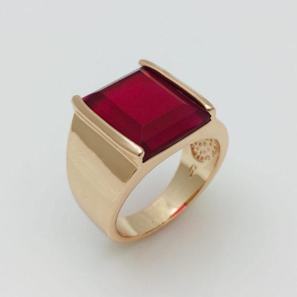 Перстень мужской с большим красным камнем, размер 19, 20, 21