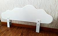 """Белый защитный бортик из массива натурального дерева от производителя """"Облако"""" 100 см."""