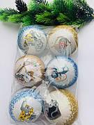 Елочные шары и украшения на елку.
