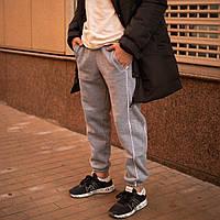"""Молодежные мужские спортивные штаны трехнить на флисе """"Сектор"""" светло-серые с белым - размер M"""