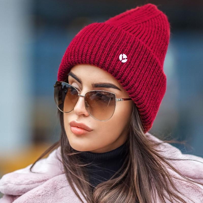 Молодіжна в'язана шапка-біні різних кольорів з люрексом