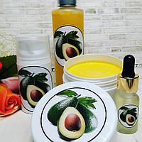 Набор косметики и средств для ухода за кожей на базе масел авокадо и облепихи.