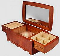 Комодик-шкатулка для украшений с зеркалом
