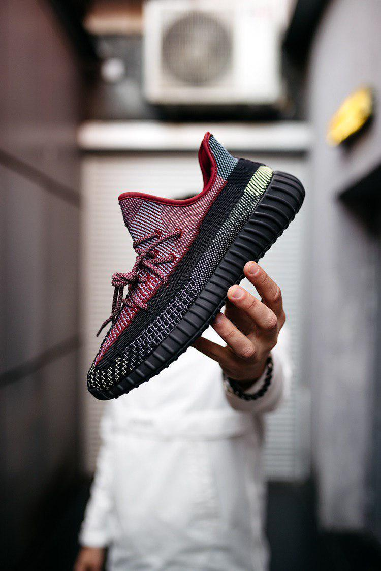 Кроссовки Adidas Yeezy Boost 350 V2 Holiday (реплика)