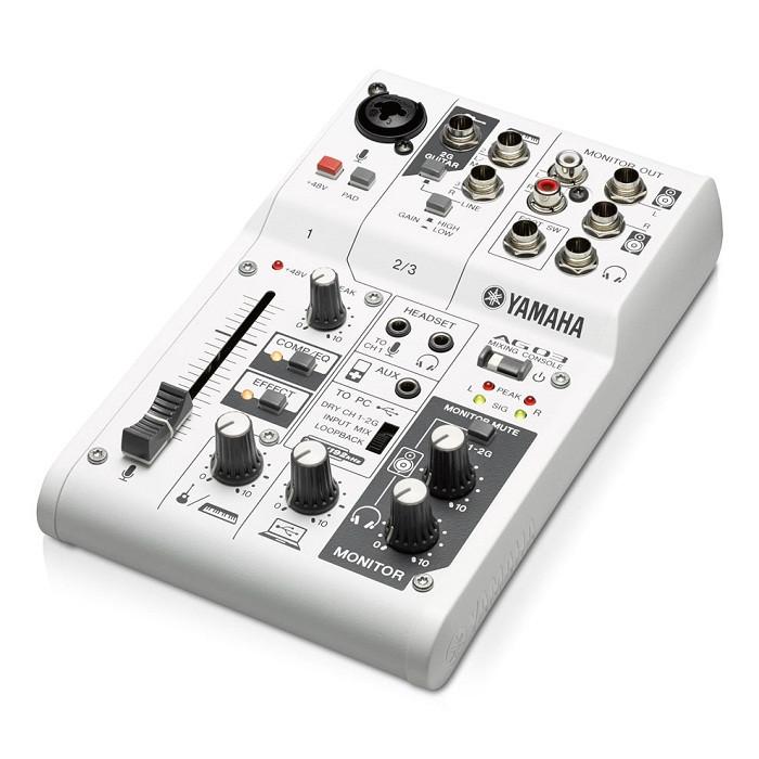 Гібридний мікшерний пульт (аудіоінтерфейс) YAMAHA AG03