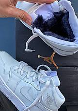 Теплые кроссовки женские Nike Air Jordan 1 Retro (МЕХ) белые (Top replic), фото 3