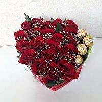 """Цветы и конфеты в коробке """"Розовое сердце"""""""