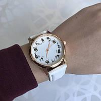 Женские наручные часы искусственная кожа с котиками белые