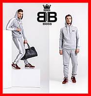 Спортивный костюм мужской с лампасами со значками популярных брендов. Цвет серый.