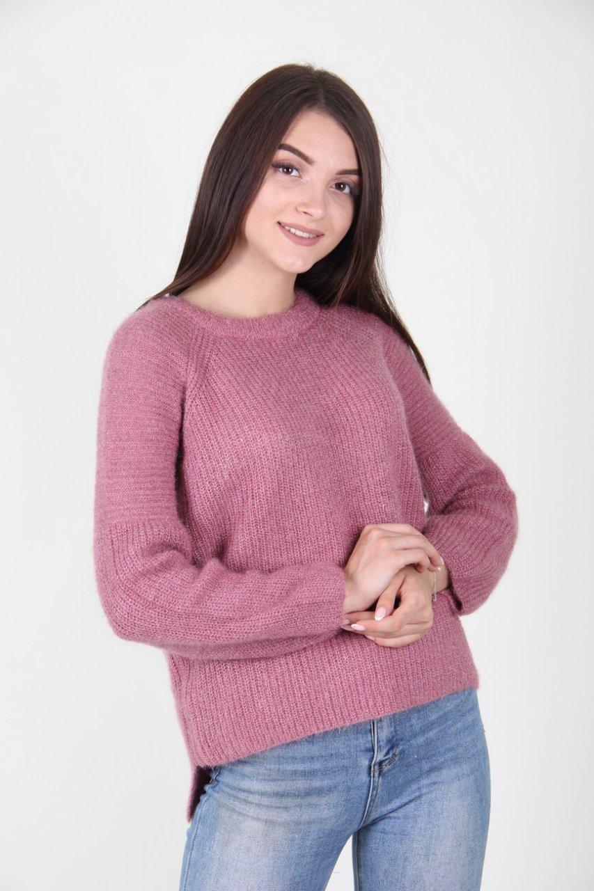 Красивый вязаный свитер рукав реглан