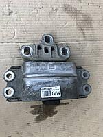 Подушка двигателя Skoda Octavia A5 1K0 199 555
