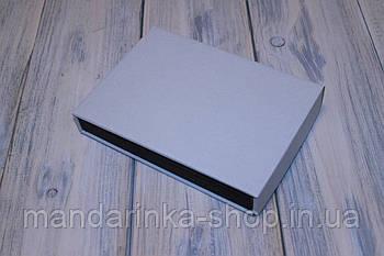 Коробка картонна 170 х 120 х 20 мм, самозбірна (чорна)