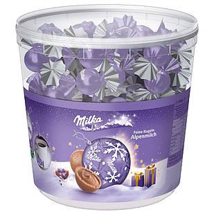 Шоколадні цукерки Milka Feine Kugeln Alpenmilch з праліне, відро 900 грам