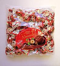 Шоколадные конфеты «Dolciaria Monardo Pralines» с ореховым пралине 450 грамм, Италия
