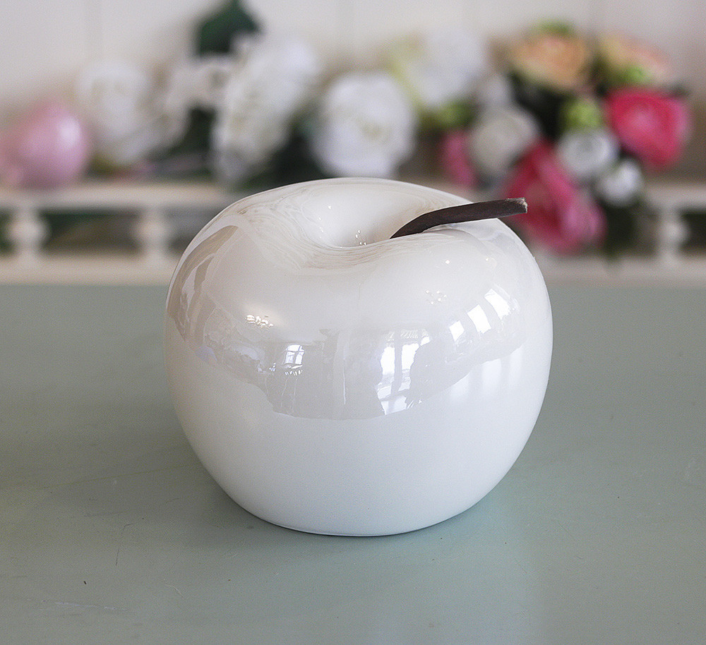 Декоративное яблоко белая керамика h11см перламутр 1006133-3 белый