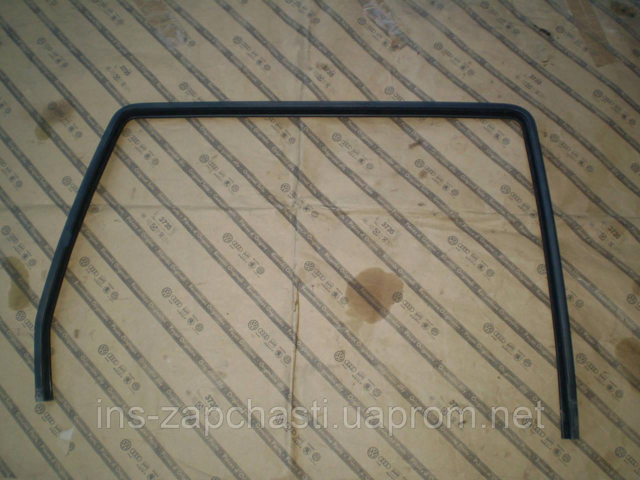 Уплотнитель стекла, Рамка стекла. Обводка стекла. на заднюю праву дверку Sharan Alhambra Galaxy