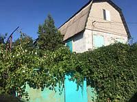 Дачный участок с домом в Мариуполе.