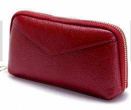 Кошелек с ремешком и нашивкой в форме конверта / натуральная кожа #10218 Красный