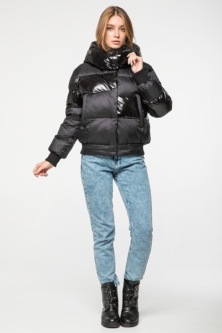 Женский зимний короткий пуховик с капюшоном CLASNA CW19D919CQ черный