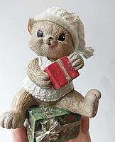 Статуэтка Котик с подарками 191-009. Новогодний декор