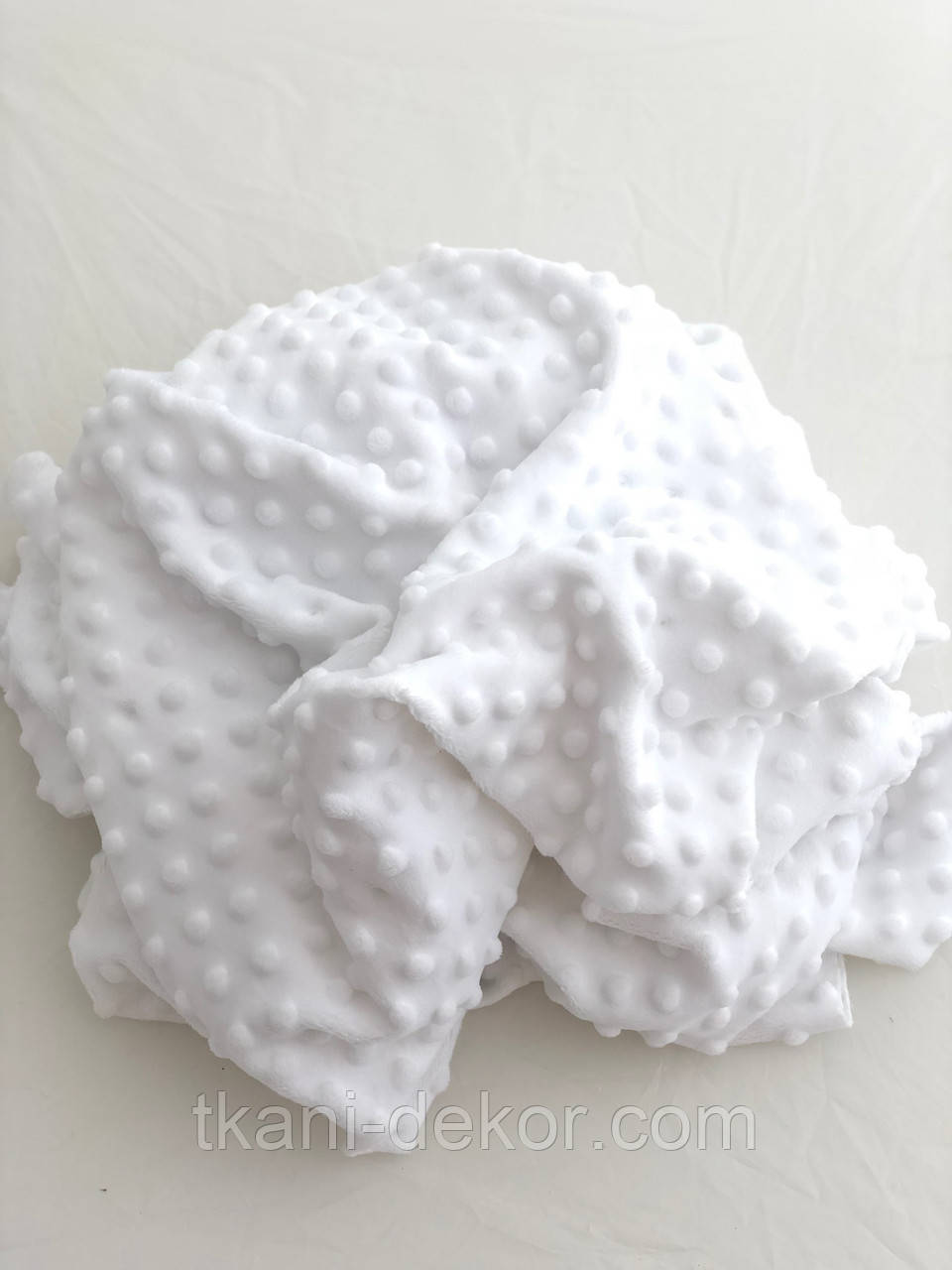 Плюшевая ткань Minky белого цвета  пупырка (невыбеленный)