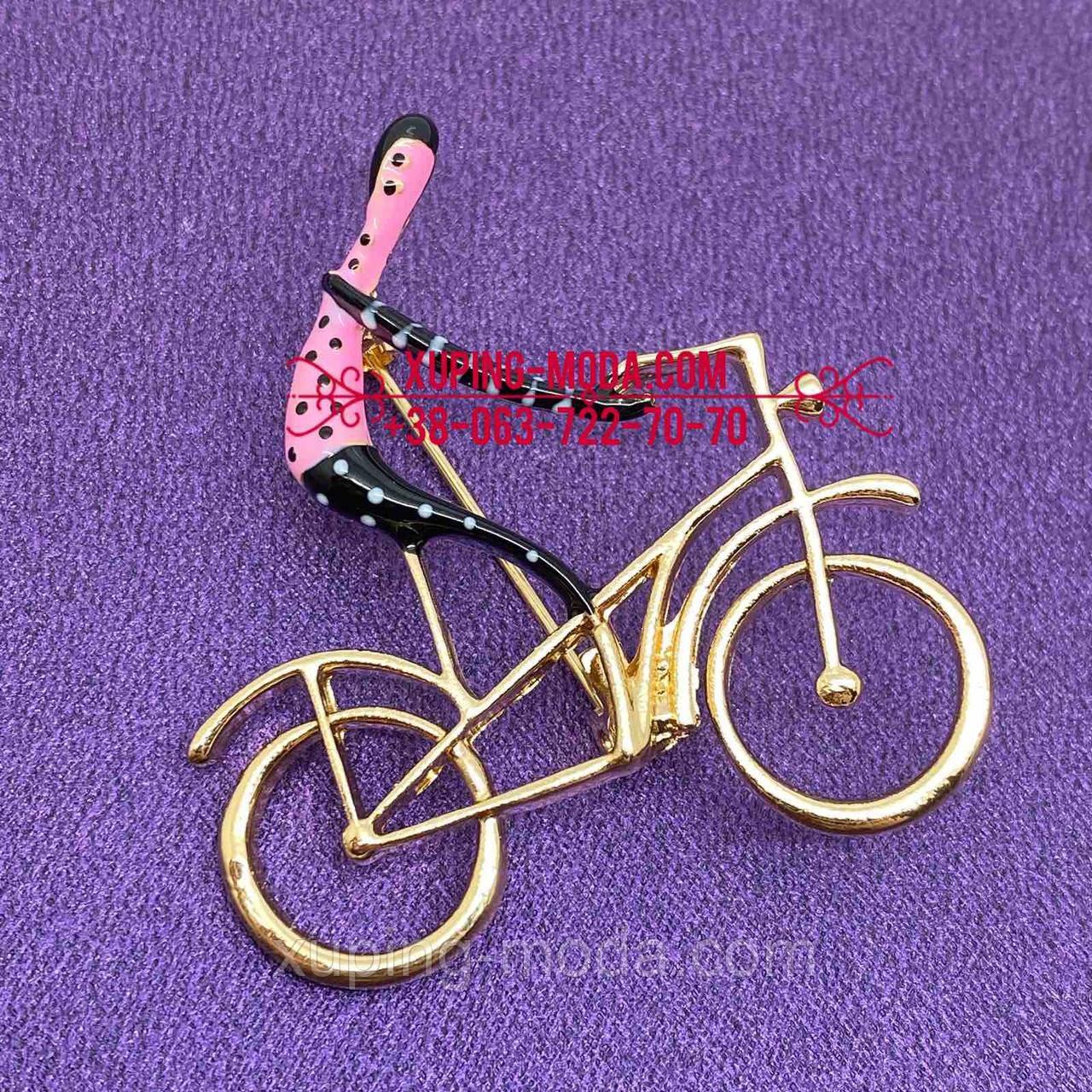 Оригинальная брошь. Человек на велосепеде брошь