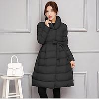 Стильное женское расклешенное стеганое пальто с поясом, черное, фото 1