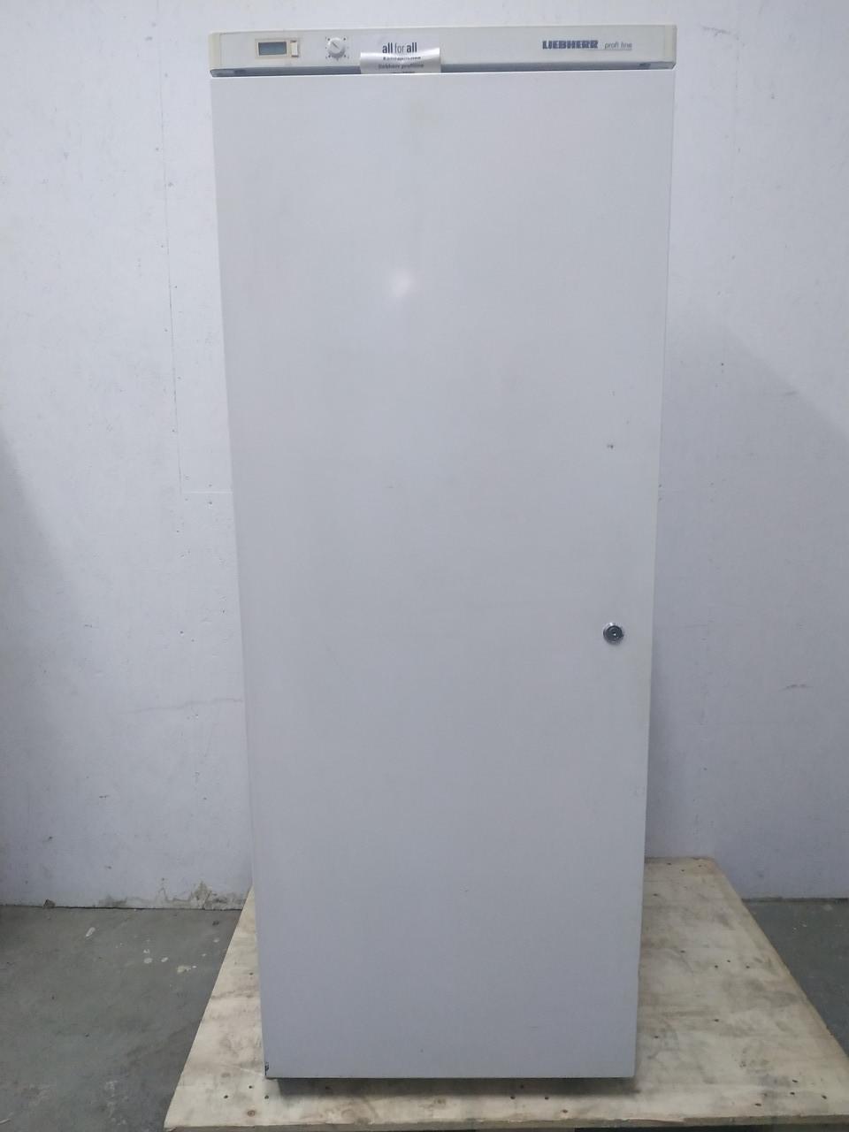 Холодильный шкаф Liebherr UKS 3600  (Германия) б у холодильник